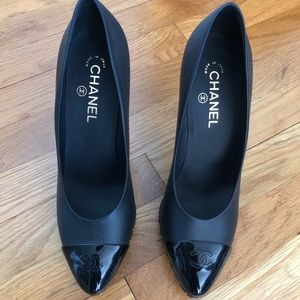 Chanel pumps with gold chain platform size 41